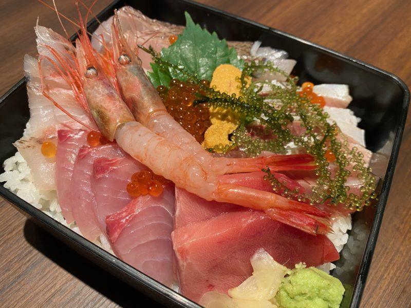 日本酒と生牡蠣 赤坂ソネマリ